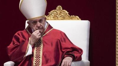 """El Papa asegura que quien rechaza a los homosexuales """"no tiene corazón humano"""""""