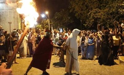 HOY / Sangre, fuego y lamentos para dar vida a la Pasión de Cristo en San Jerónimo