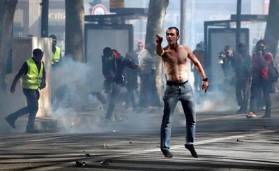 Fuertes disturbios en París en otra protesta de los 'chalecos amarillos'