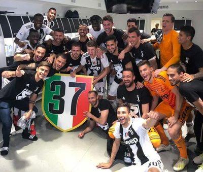 La 'Juve' se consuela con su octavo título seguido en Italia