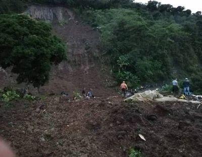 Deslizamiento de tierras dejó al menos 14 muertos en Colombia