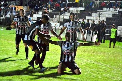 Deportivo Santaní logró un valioso triunfo y deja en zona roja a San Lorenzo