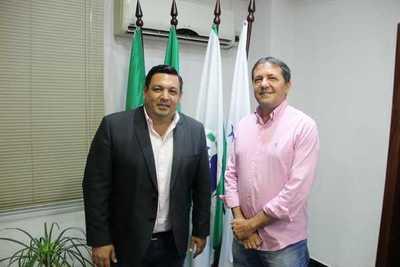 Teddy se reunió con prefeito de Foz de Yguazú y trataron sobre turismo, seguridad y comercio