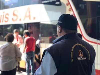 Operativo Semana Santa: Dinatran multó a 27 buses por cobro excesivo de pasaje