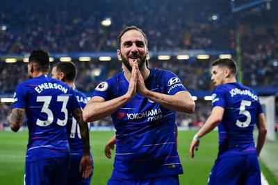 El Chelsea empata con Burnley y titubea en la tabla