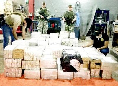 Incautan 1.135 kilos de marihuana en M.R.A.