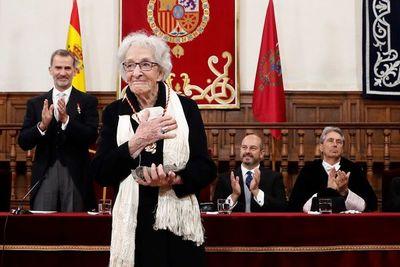 Poetisa uruguaya Ida VItale recibe el Premio Cervantes