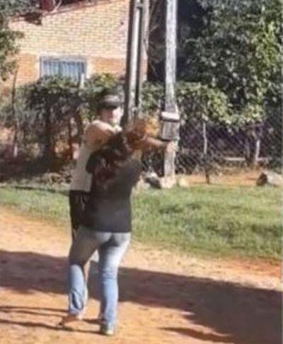 Identifican y piden captura de hombre que golpeó a su pareja en Luque