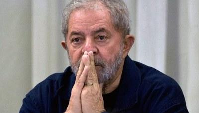 Justicia brasileña redujo condena de Lula y puede salir de prisión este año