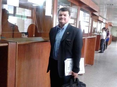 Condenan a ex fiscal por un caso de soborno