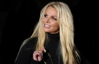 Britney Spears luce irreconocible tras salir de clínica psiquiátrica