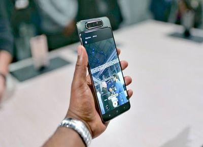 El Samsung Galaxy A80 tiene cámara reversible
