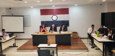 Se suspende juicio a Oviedo y alegan falta de garantías