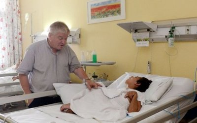 Pa'i Aldo Trento, en terapia, pero estable