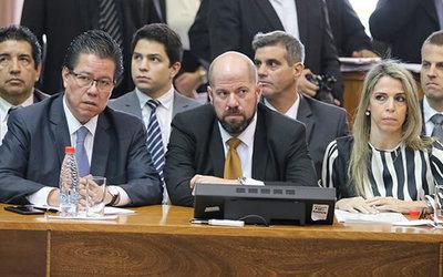 Mario Abdo sienta postura respecto a destitución de contralor