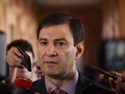 Silvio Ovelar advierte que si Añetete libera los votos, el contralor se salva
