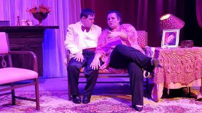 Olivia y Eugenio sube a escena en la Manzana de la Rivera