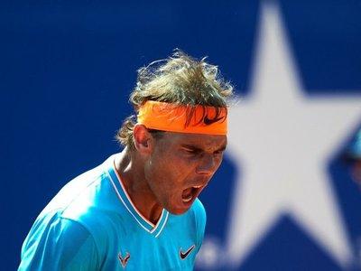 Nadal rema casi tres horas ante Mayer para vencer en su debut