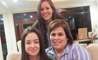 Escraces sociales obligan a renunciar a las hijas del Diputado Cuevas