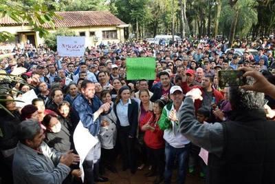 CDE salió a las calles a dar su apoyo a Sandra Zacarías. Patoteros del G7 buscaron incidentar.