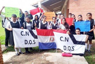 Toman siete instituciones educativas para exigir rubros en Concepción