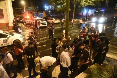 Llegan primeros manifestantes por el desbloqueo de listas