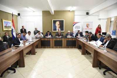 Gobernadores pedirán descentralización de gobiernos departamentales a Abdo Benítez