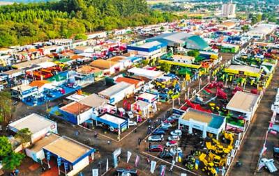 Ultiman  detalles para la anual  Expo Santa Rita
