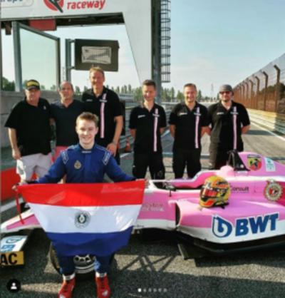 El joven piloto entra en competencia este domingo