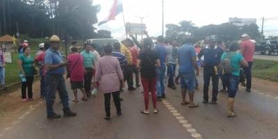 HOY / Con cierre de ruta, apoyan desbloqueo de listas en Alto Paraná
