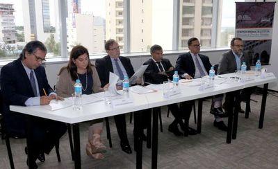 Ministro Ramírez Candia asistió a simulación de alegatos orales