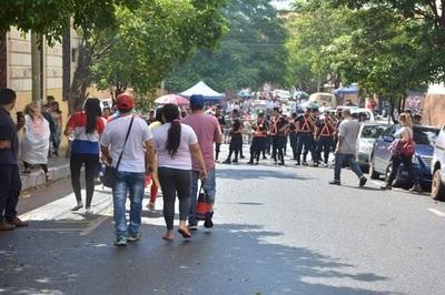 Detienen a manifestantes por portar arma blanca