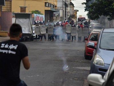 Manifestantes provocaron a uniformados, dice ministro del Interior