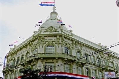 Hacienda inicia con pago de salarios a funcionarios públicos