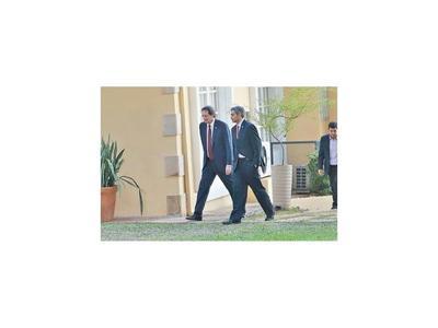 Abdo se reunió con embajadores de EEUU y Colombia en Arroyito