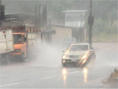 Meteorología advierte sobre tiempo severo en cinco departamentos