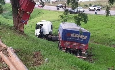 Camionero cayó al barranco por borracho