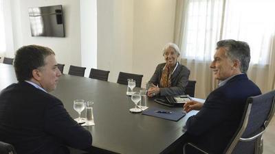 """""""Argentina, al borde del colapso, en plena campaña electoral"""""""