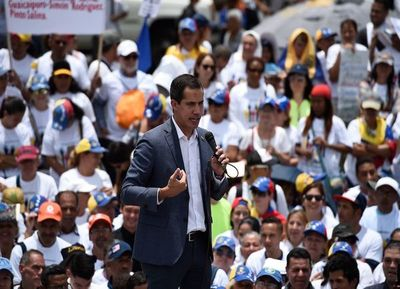Guaidó advierte a militares que la espera no será eterna