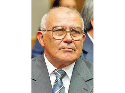 Tres ex ministros, procesados por coima y prevaricato