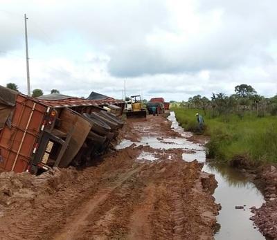 El camino que va a Puentesiño está destrozado y anuncian movilización