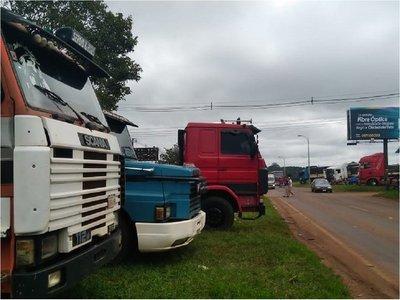 Camioneros protestan contra suba del gasoil