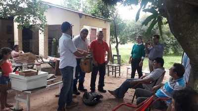 Productores del sector apícola buscan consolidarse en Paraguarí