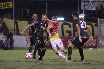 Empate sin goles entre Guaraní y Deportivo Santaní en Dos Bocas