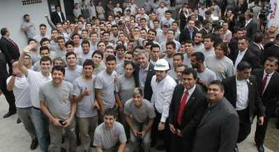 Abdo Benítez inauguró fábrica de transformadores en Limpio