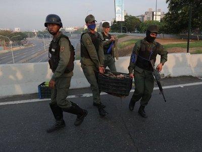 EEUU insta a militares venezolanos apoyar a Guaidó