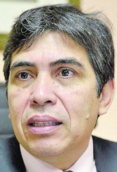 Defensa pide absolución de excontralor