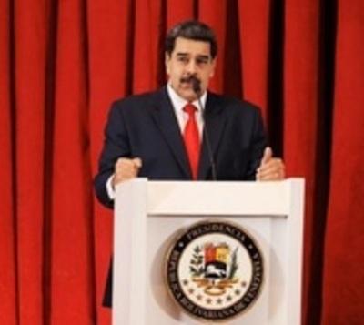 """Maduro pide """"nervios de acero"""" y llama a movilización"""