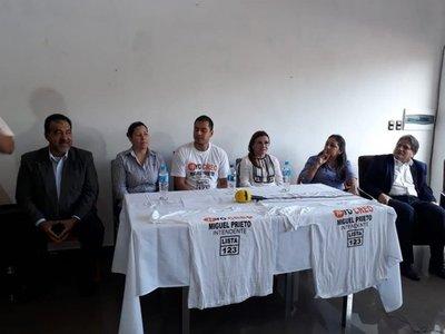 Candidatas descabalgan a favor de Prieto