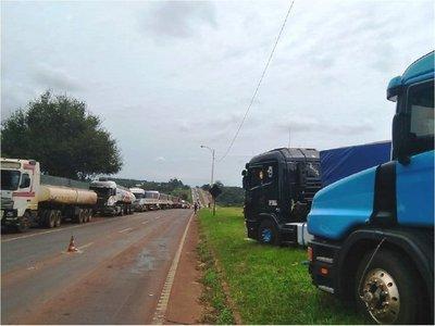Camioneros y Petropar se reunirán para tratar suba de gasoil